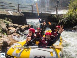 Rafting de aguas bravas en Montanejos